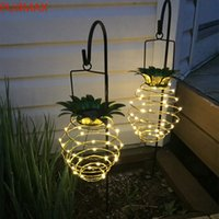 태양 정원 조명 파인애플 모양 야외 태양 매달려 빛 방수 벽 램프 요정 야간 조명 철 와이어 아트 홈 장식