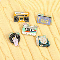 15st / lot European Cartoon Radio Phonograph Brosches Retro Rock Roll CD-skivor Enamel Pins Unisex Barn Alloy Tape Brosch Smycken