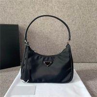 Mulheres preta lona travesseiro saco clássico acessórios de luxo moda sacolas de alta qualidade Totes tamanho 21cm 12cm 5cm