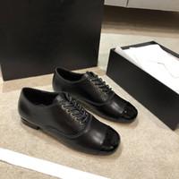2020 مصمم جديد الفاخرة النسائية جلد طبيعي المتسكعون مع horsenbit الانزلاق على الشقق أحذية الموضةقناةأحذية العديد من الأساليب