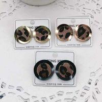 2021 Tamaño grande de calidad superior Extavilant Diseño Ear Studs Hip Hop Titanium Steel Pendientes de oro Silver Rose Hoop para mujer Joyería al por mayor