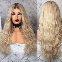 Largas pelucas de ondas naturales largas Pelucas de encaje sintético del cabello Pelucas frontales calificadas para las mujeres Pelucas de cosplay de fibra resistente a la fiesta de alta temperatura