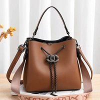 Сумка женская новая зима 2020 горячая распродажа мода ведро женская сумка одно плечо парусная сумка сумки кошельки сумки для женщин Y1216