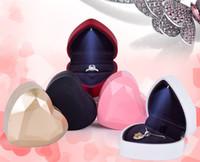 Kalp Şeklinde LED Lamba Mücevher Kutusu Düğün Bir Teklif Yapın Yüzük Kutusu Takı Hediye Kutusu Kolye Kutuları Kadınlar Hediye Paketi