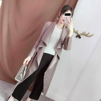 Plus Size Trench Coat Mulheres 2020 Autumn solto Elastic Miyake plissadas cor sólida Moda Turn Down Collar Elegante Long Cardigan