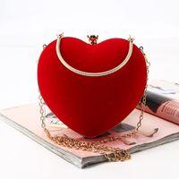 Frauen tasche rot samt handgemachte herz abend taschen retro paket tasche braut gold farbe kette schulter weibliche handtasche clutch1