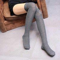 جوارب المرأة فوق الركبة الجوارب عالية أنثى رياضي القطن تنفس الجوارب الطويلة السوداء جوارب اللون الرمادي 1