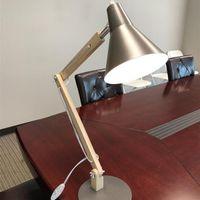 جديد alightup الكلاسيكية مصغرة الأزياء متجمد عاكس الضوء المعادن وقوس خشبي الملمس الجدول مصباح مصباح مع مصدر ضوء الولايات المتحدة