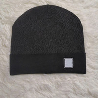 202s Mode Hohe Qualität Mütze Unisex Wolle Strickmütze Klassische Sport Schädel Hut Damen Casual Outdoor Wärme