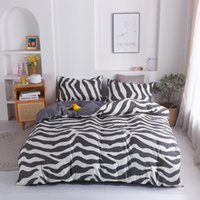 Nuevo diseño de invierno ZEBRA Black and White Stripes Home Textiles Conjunto de ropa de cama Funda edredón Cama Hoja de almohada Rey Queen Full