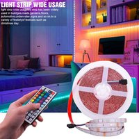 最高のプラスチック150-LED 12V-5050RGB IR44調光対応ライトストリップセットIRリモコンのトップグレードの素材LEDストリップ(ホワイトランププレート)