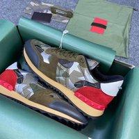Hombres Rockrunner Camuflaje Zapatillas de deporte de lujo Diseñadores Zapatos Zapatillas de gamuza de cuero Snow Rivet Sneaker Goma Fondos de goma Top Calidad WTIH Caja 264