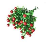 Fiori decorativi Corone 1 Plastica Pepe Cherry Schiuma Frutta Piante artificiali Falsi Verdure Verdure Corsage Prato Frutta per l'anno Decorazioni per la casa