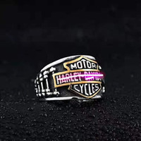 Размер 7-13 316L Титановый сталь Punk Creative Личности Кольцевая тенденция Мужская Золотая Ретро Мотоцикл Рок-Гудовая Ювелирные Изделия