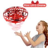 تعمل باليد rc طائرة هليكوبتر الطائرات tik tok أداة فيديو قصيرة البسيطة بدون طيار ufo عيد الميلاد الأشعة تحت الحمراء طيور الكرة لعب للأطفال