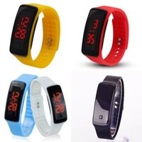 Boys Girls Digital Watch Regalo Niños LED Pulsera Electrónica Relojes de pulsera Multicolor Plastic Strap Venta caliente 1dh J2