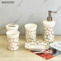 linea 5Pcs oro ceramica kit da bagno coppa spazzolino portasapone sapone piatto di accessori da bagno della tazza della bottiglia della bocca set regalo di nozze
