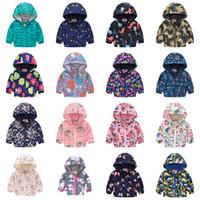 Bambini Cartoon Stampa con cappuccio 2021 Cappotti traspiranti ultra-sottili Baby Boys Girls Zipper Outwear Protezione solare Abbigliamento Giacche 39 Stili Z1297