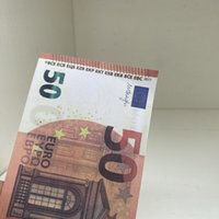 Spiel 100pcs / paket Die meisten Banknoten Familie / Euro / Dollar Geldkopie Kinder US-Prop oder Papier Realistische Spielzeug207 Erntg