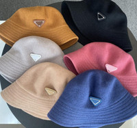 2020 Marca Luxo Bucket bonés Mulheres Moda Inverno Designer Bacia Bacia de Sol Cap Outdoor Travel Bowler Hat Homem Womens