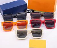 Classic Design Sunglasses Elegante forma ovale Telaio quadrato rivestito 2252S Occhiali da sole Occhiali da sole UV400 Lenti Occhiali in fibra di carbonio Caso