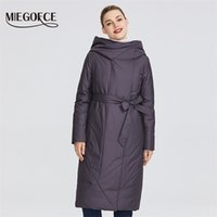 MIEGOFCE 2020 Yeni Koleksiyon Kalıcı Bir Yaka Yastıklı Ceketli Kadın Ceket ve Şekil LJ200824'ü vurgulayacak bir kayışa sahiptir.