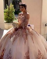 Charro Blush Promkleider mit Rose Gold Applque Sequin vestidos de 15 años weg vom Schulter-Bonbon-16 Kleid