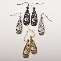 Pendientes tallados de metal Retro Oardrop Hermoso Aleación Oído Colgantes Moda Mujeres Hojado Patrón Accesorios de Joyería 1 2ky N2