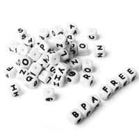 2020 12 ملليمتر الأبيض الإنجليزية الأبجدية إلكتروني سيليكون عضاضة الخرز فضفاض الخرز بالجملة لمطاط قلادة الجملة التسنين مولي اللعب الملحقات