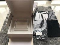 도매 시계 흰색 상자 시계 상자에 대 한 새로운 사각형 빨간색 원래 상자 whit 소책자 카드 태그 및 영어 높은 품질의 논문