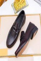 Black Red Fashion Design Genuine Leather Men Dress Shoes Shoes Casual Ufficio maschile Scarpe di lusso in pizzo di lusso in punta divisione scarpe da lavoro formale