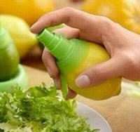 Accessoires Kreative Zitronenspritzer Fruchtsaft Zitrusfrüchte Lime Juicer Spritzer Küche Gadgets Waren für die Küche Bbymujp Ladyshome