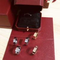 Mode Liebe Zirkon Ring Paar Modelle Schraubende Titanstahl V Ringe Paar Rose Gold Damenring Whith Box