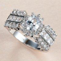 Anneaux de mariage Vintage Femme Blanc Cristal Stone Bague Charme Couleur Silver Grand pour Femmes Trendy Ovale Zircon Engagement