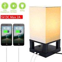 Diseño más nuevo 40W (sin bombilla) Lámpara de mesa EE. UU. Base de cuatro esquinas estándar (interfaz USB dual) Lámparas de iluminación cálidas