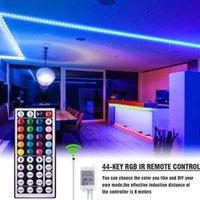 Plástico 150-LED 12V-5050RGB IR44 Franja de luz regulable Conjunto con control remoto de IR Material de grado superior Tiras LED (placa de lámpara blanca)