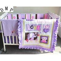 Stickerei Baby-Bettwäsche-Set 100% Baumwolle Weiche Krippe Bettwäsche Bettdecke für Kinderbett Cot Cradle (Stoßfänger + Bettbezug + Bettbezug + Bettrock) LJ201105