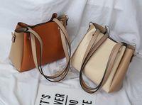 2020 Nuova borsa da donna Fashion Trend Secchio Borsa da donna Borsa da donna Semplice Colore Abbinamento a spalla singola Diagonale Diagonale