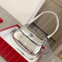 2021 어깨 가방 여성 핸드백 Luxurys 디자이너 가방 totes Cleo 닦 았된 가죽 숄더백 플랩 디자이너가있는 P21011902L
