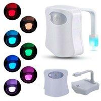 LED toilettes de salle de bain de la salle de bain de nuit Smart Control Induction Illumination PIR Motion Capteur de siège activé RGB Lampe 8 / 16Couleur Modification du changement