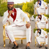 Tuta da sposa bianchi da uomo 3 pezzi personalizzato Bridegroom Prom Party Tuxedo Slim Fit Blazer Red Velvet Doppi Bresetted Giacca Gilet Pants1