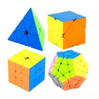 Moyu Meilong Skew bundle 4pcs / set regalo confezione da regalo cubo magico mofangjiaoshi 4pcs velocità cubo puzzle giocattoli educativi per bambini Y200428