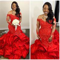 Illusion långärmad afrikansk kväll formella klänningar 2020 Cascading Ruffles Red Lace Beaded Plus Size Mermaid Prom Party Gowns Vestido Festa