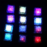 LED 조명 Polychrome 플래시 파티 조명 LED 빛나는 아이스 큐브 깜박이 깜박이 깜박이는 깜박이는 빛을 켜고 바 클럽 결혼식 CCD2854