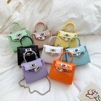 2021 Neue Kinder Gelee Handtasche Luxurys Mädchen Metall Kette Square Tasche Kinder Bunte Messenger Bag A5681