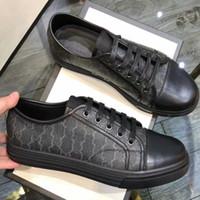 SCONTO 40% SCONTO ITALIA SCARPE DI DESIGNER NUOVO Sneaker di lusso con borchie Stripe Migliore Qualità Asso famoso Ricamato per donne o uomo Scarpe Ordine
