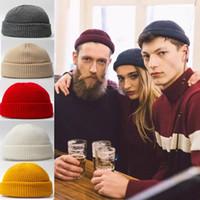 Yeni Kış Örgü Erkek Şapka Skullcap Erkekler Beanie Şapka Kış Kısa Besimsiz Baggy Kelon Kap Docker Fisher