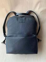 Cuero de alta calidad Flor negra hombres mochila femenina famosa mochila diseñadora señora mochilas bolsas mujeres hombres retroceso paquete