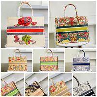 5a 2021 Top Quality Lussurys Donne Classic Colorful Book Totes Borsa Designer Donne da donna Borsa Borsa Grande capacità Viaggio Canvas Shopping Bags