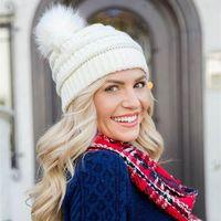 Шапочки / черепные колпачки Kenshelley Женщины вязаные Слушанные шапочки Коренастая мешковатая шляпа с искусственным мехом Помпом зимний мягкий теплый лыж